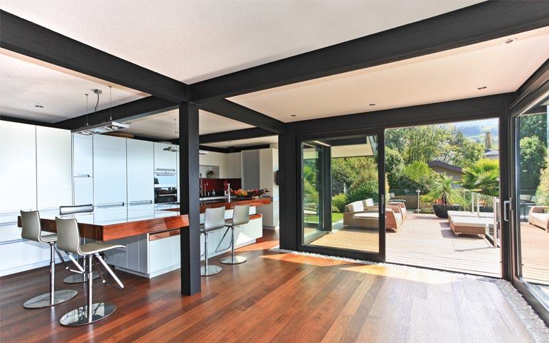 ... Fall Wurde Der Vorherige Terrassenrücksprung In Das Wohnhaus  Integriert, Eine Dachverglasung Eingesetzt Und Alle Balkone Und Terrassen  Vergrößert.