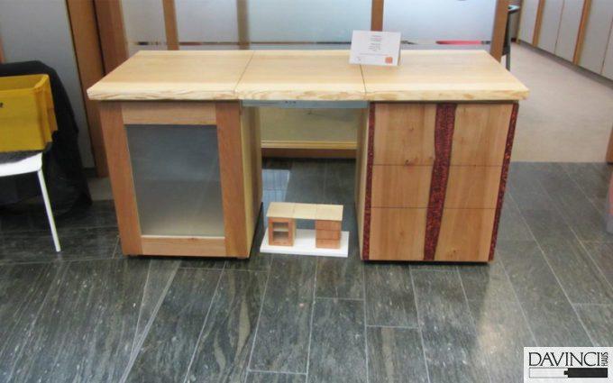 Eine Sideboard-Schreibtischkombination als Gesellenstück ...